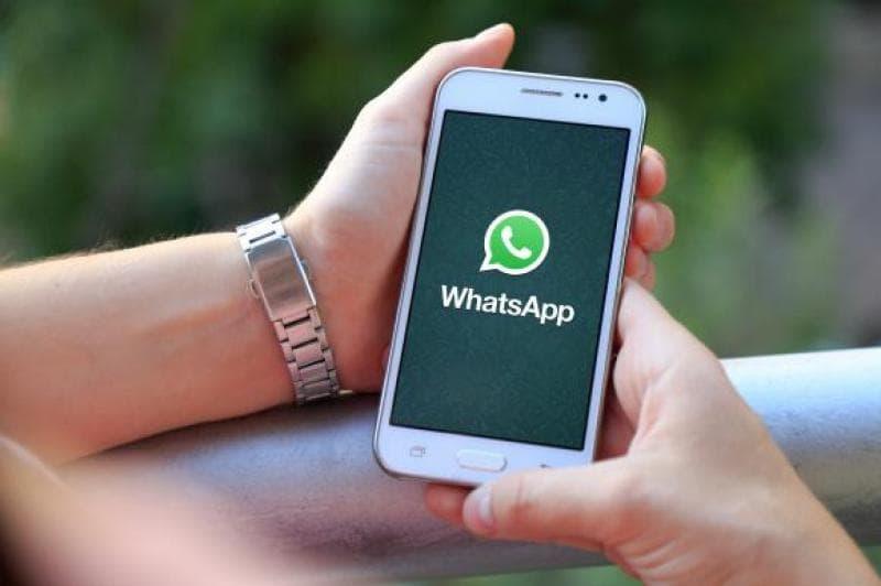Telefoanele pe care WhatsApp poate fi securizat cu recunoaștere facială
