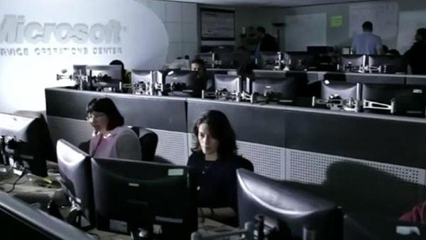 Microsoft recomandă companiilor să nu mai folosească Internet Explorer