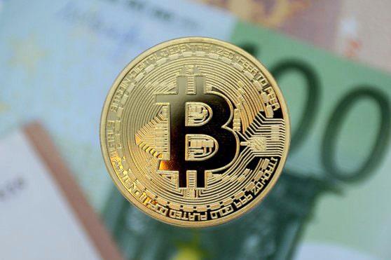 Bitcoin sparge o nouă barieră. Suma la care a ajuns criptomoneda