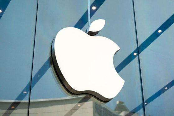Comisia Europeană acuză compania Apple de abuz de poziţie dominantă