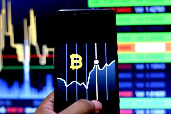 Zi neagră pe piaţa criptomonedelor după anunţul Tesla privind bitcoin