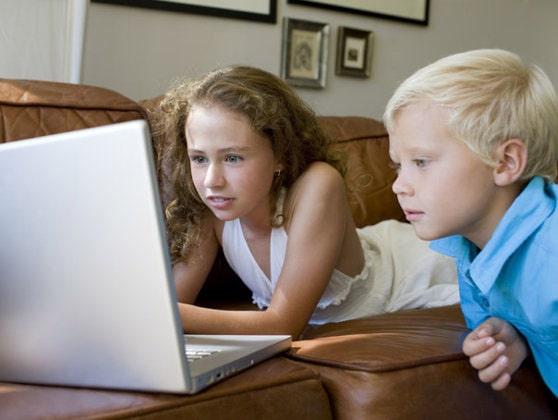 Google anunţă schimbări pentru siguranţa online a copiilor şi adolescenţilor. Ce presupune opţiunea SafeSearch